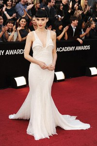 The Chic Daily, Fashion Journalist Club, Academy Awards 2012, Rooney Mara