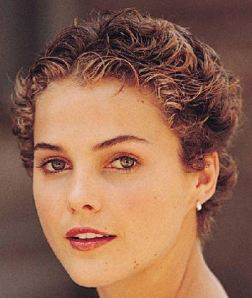 short-hairstyles-04-keri-russell