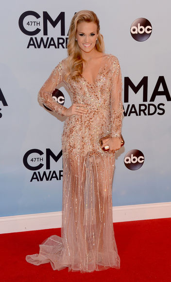 carrie-underwood-cma-w352