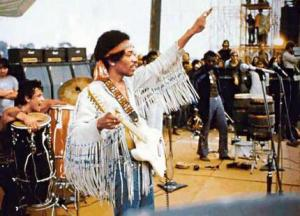 20140207001355!Jimi_Hendrix_performing__The_Star_Spangled_Banner__at_Woodstock,_August_18,_1969