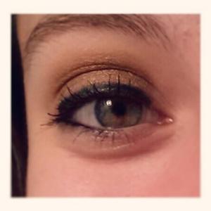 4 Eyeliner - gold