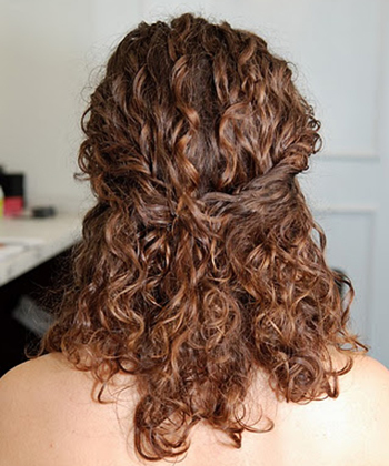 A half up/half down look // Photo retrieved from Naturally Curly