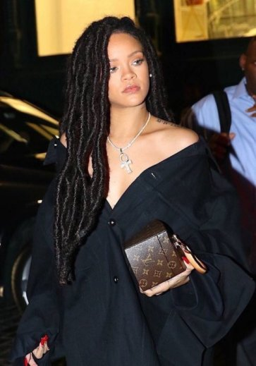 https://www.tumblr.com/search/rihanna%20dreads