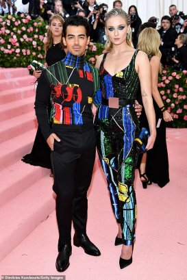 With-Gala-2019-Sophie-Turner-and-Joe-Jonas-make-their-red-carpet-debut-as-newlyweds.jpg