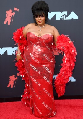 lizzo-red-carpet-2019-vmas
